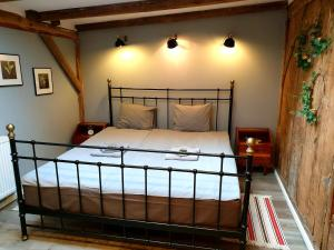 A bed or beds in a room at ITALIANO VERO