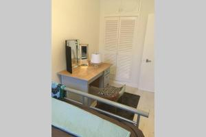 A kitchen or kitchenette at Cathedral apartment