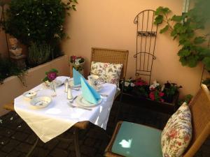 Ein Restaurant oder anderes Speiselokal in der Unterkunft Haus am Markt