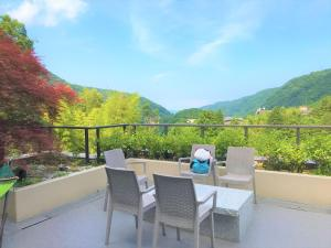 A balcony or terrace at K's House Hostels - Hakone Yumoto Onsen