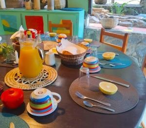 Breakfast options available to guests at Cocoa Cottages