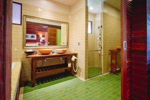 A bathroom at Gajapuri Resort & Spa