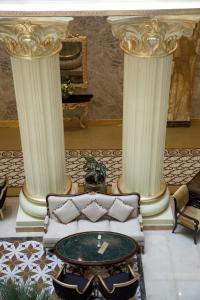 A seating area at Grand Excelsior Hotel Al Barsha