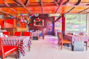 مطعم أو مكان آخر لتناول الطعام في Grand Pj Hotel