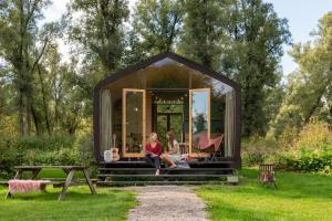 A garden outside Stayokay Dordrecht - Nationaal Park De Biesbosch