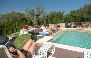 Πισίνα στο ή κοντά στο Five Senses Luxury Villas