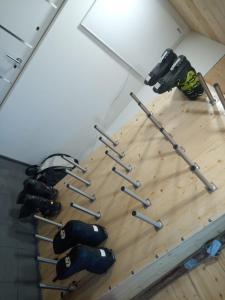 Das Fitnesscenter und/oder die Fitnesseinrichtungen in der Unterkunft Burnout Wildalps