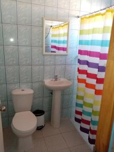 Un baño de Hostal Apanantor