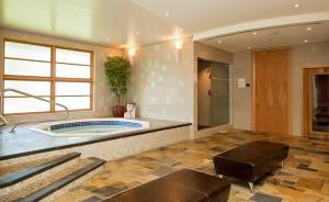 A bathroom at Keltic Lodge at the Highlands