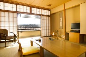 พื้นที่นั่งเล่นของ Honjin Hiranoya Annex