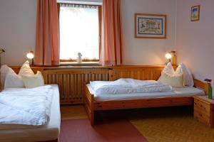 Letto o letti in una camera di Hotel Mirabel