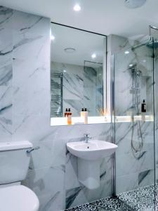 A bathroom at Quayside