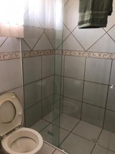 A bathroom at Casa para temporada