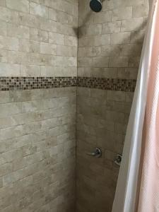 A bathroom at Beautiful Room 4 mins from JFK and 15 mins from LaGuardia Airports