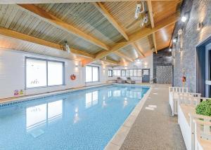 The swimming pool at or near Landal Kielder Waterside