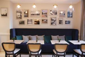 A restaurant or other place to eat at Mercure Paris Notre Dame Saint Germain des Prés