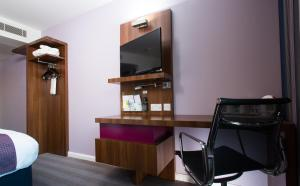 A television and/or entertainment center at Holiday Inn Express Lincoln City Centre