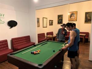 Mesa de billar en Student's Hostel