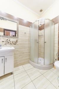 A bathroom at Hotel Merkuriy