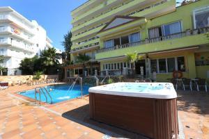 Het zwembad bij of vlak bij Hotel Manaus