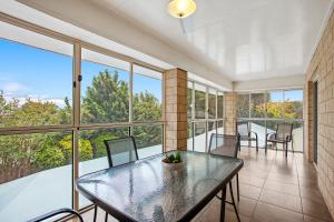 A balcony or terrace at Great Divide Motor Inn