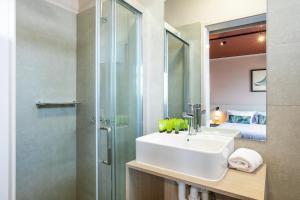 A bathroom at Nightcap at Fairfield