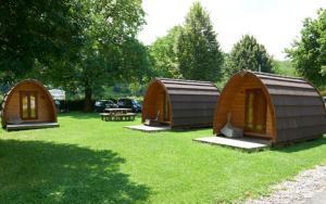 Ein Garten an der Unterkunft TCS Camping Solothurn