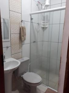 A bathroom at Flat Sol Paraty