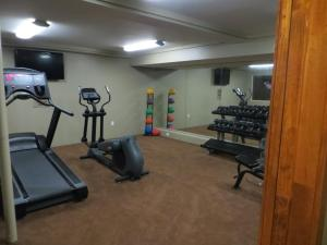 The fitness center and/or fitness facilities at The Mammoth Creek Inn