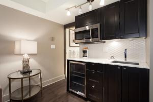 A kitchen or kitchenette at Le Chamois by Whistler Premier