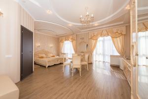 Гостиная зона в Отель Монарх