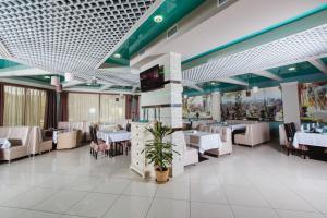 Ресторан / где поесть в Отель Монарх