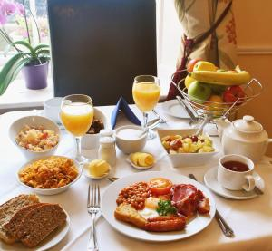 Breakfast options available to guests at Baggot Court Townhouse