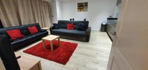 A seating area at Havelock Drive Duluxe Apartment