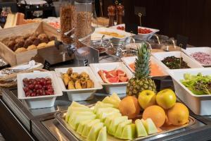 ホテルの敷地内または近くでの食事または食べ物