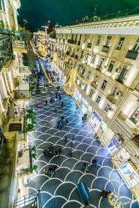 Uma vista aérea de Vip Apartment Mc Donalds