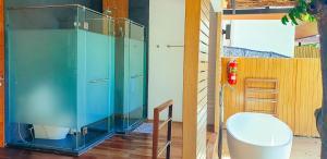 A bathroom at The Cliff Lipe