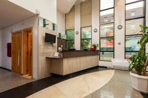 A kitchen or kitchenette at Tri Hotel & Flat Caxias