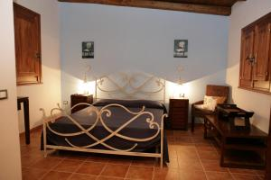 A bed or beds in a room at Fiumara Del Sossio