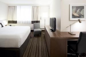 A television and/or entertainment center at Residence Inn by Marriott Montreal Westmount