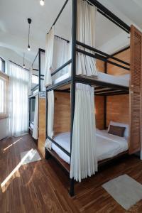 Ein Etagenbett oder Etagenbetten in einem Zimmer der Unterkunft OYO 552 Hab40 Hostel