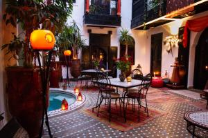 A restaurant or other place to eat at Riad & Spa le Secret de Zoraida