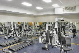 The fitness center and/or fitness facilities at Petro Palace Hotel