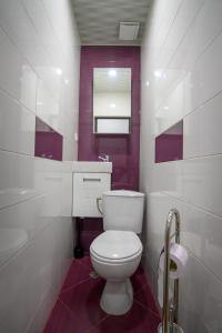A bathroom at Апартамент за гости Римски терми