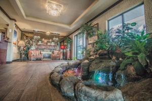 The lobby or reception area at Days Inn by Wyndham Destin