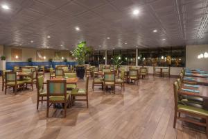 A restaurant or other place to eat at Wyndham Visalia