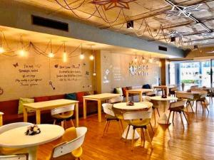Ресторан / где поесть в Ambassador City Jomtien Marina Tower Wing