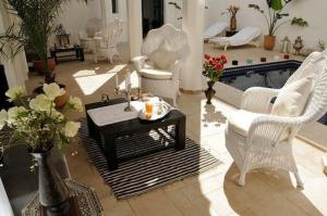 A seating area at Riad Bellamane & Spa
