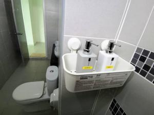 A bathroom at Penang Airport 3R3B Sierra Residence