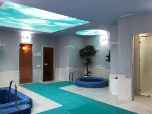 A piscina localizada em Passage Boutique Hotel ou nos arredores